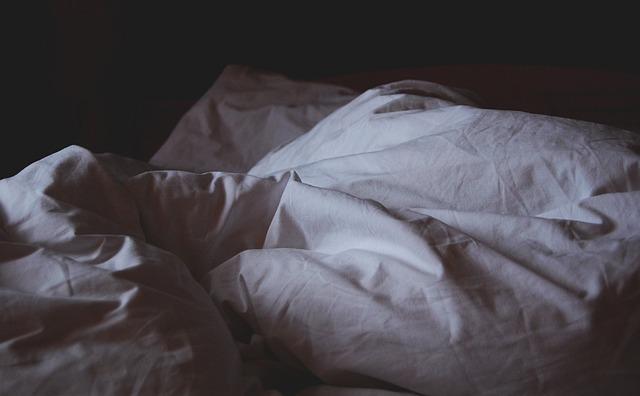 Mein Mann hat mich betrogen - jetzt bleibt das Ehebett leer.