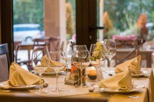 Die Person, welche die eigene Zuneigung nicht erwidert, kann man überall treffen – auch im Restaurant.