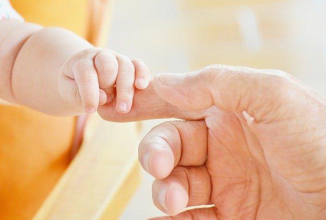 Überforderte Mütter haben oft ein schwieriges Verhältnis zu ihren Kindern.