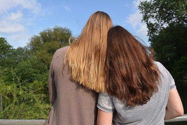Verliebt in den Falschen - nämlich den Freund der besten Freundin.