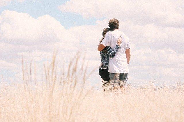 Wenn man verliebt ist in einen Einzelgänger, muss man an Kompromissen arbeiten.