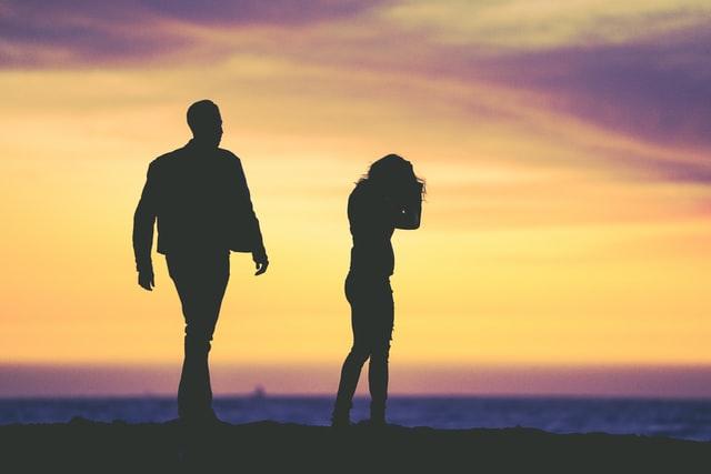 Wenn ein Paar viel streitet, kann das sehr belastend sein.